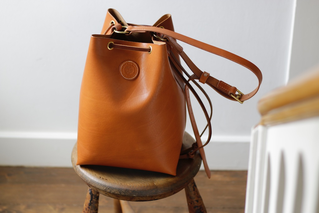 Gloria Bucket Bag hellbraun leder cognac